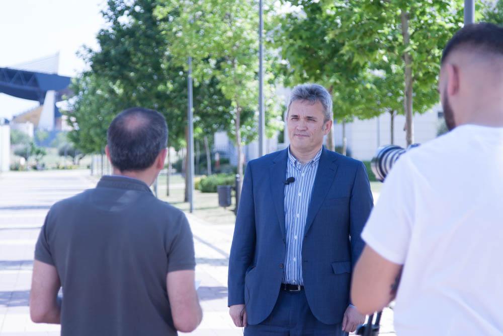 Grabación de la entrevista de comunicación eficiente por parte de Manuel Gertrudix.