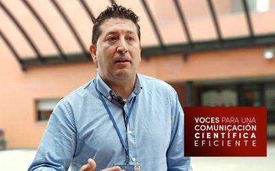 Voces: Santiago Gómez Ruiz